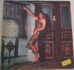 Nil Burak - Benim adım şarkıcı - LP - 1979 - Arka Kapak